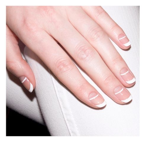 elle-french-tip-nails-manicure-aliciatnails